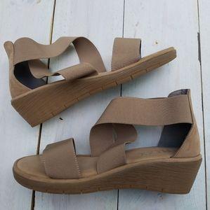 The flexx wedge sandals